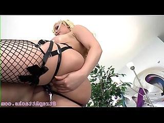 Curvy mistress pegs dominated sub