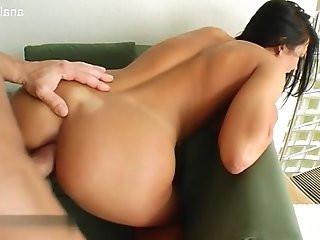 Hot housewife screaming squirt