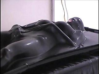Anna Mills Vacuum Bed
