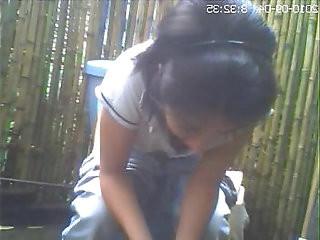 Hidden cam toilet, girlfriend she had not idea amiguita grabada meando.