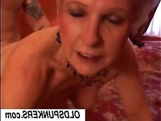 Jewel is a sexy cougar who loves to fuck lucky guys
