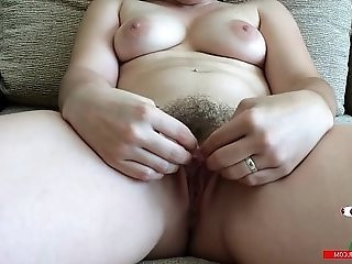 Pamela sanchez masturbates for you so you can see the detail